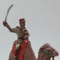 Figuras de Goma y PVC: OFICIAL DE LA LEGION EXTRANJERA EN CAMELLO . REALIZADO POR LAFREDO . AÑSO 50 / 60 GOMA Y PLASTICO. Lote 177657835