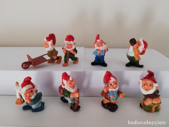 COLECCION COMPLETA FIGURAS KINDER, SERIE GNOMOS. (Juguetes - Figuras de Gomas y Pvc - Kinder)