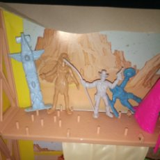 Figuras de Goma y PVC: CAJA LUCKY LUKE. Lote 178009177