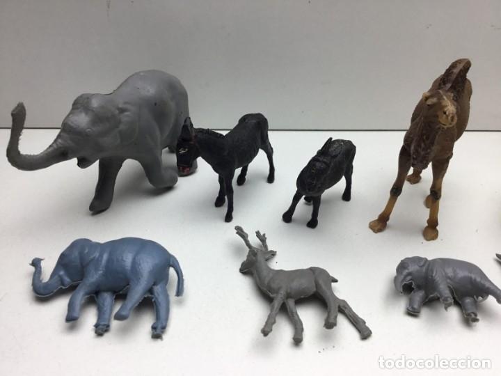 Figuras de Goma y PVC: GRAN LOTE DE 14 FIGURAS DE PLASTICO-GOMA - ANIMALES VARIOS- AÑOS 70/80 - Foto 2 - 178101669