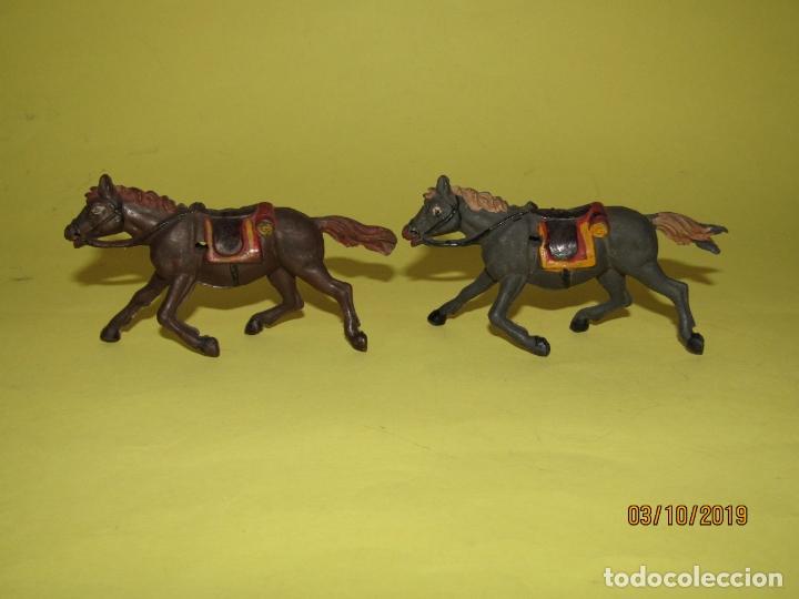 Figuras de Goma y PVC: Antiguos Caballos de Goma Maciza y Pintados de GAMA Para Caravana o Carreta del Oeste - 1950-60s. - Foto 2 - 178177723