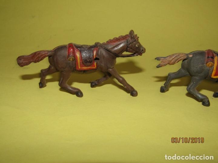 Figuras de Goma y PVC: Antiguos Caballos de Goma Maciza y Pintados de GAMA Para Caravana o Carreta del Oeste - 1950-60s. - Foto 4 - 178177723