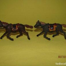 Figuras de Goma y PVC: ANTIGUOS CABALLOS DE GOMA MACIZA Y PINTADOS DE GAMA PARA CARAVANA O CARRETA DEL OESTE - 1950-60S.. Lote 178177723