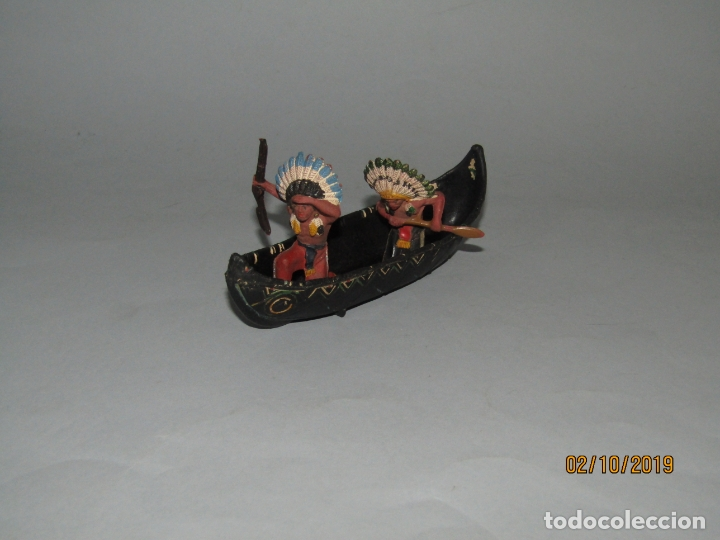 Figuras de Goma y PVC: Antigua Canoa con Indios de Goma de PECH Hnos.- 1950-60s. - Foto 2 - 178182605