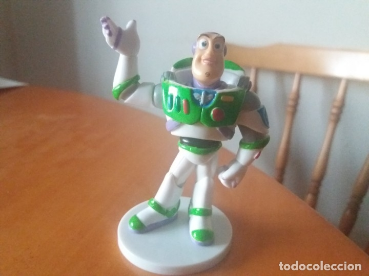 Figuras de Goma y PVC: Bonita figura de Buzz Lightyear. Toy Story. Pixar. Disney. - Foto 3 - 178376085