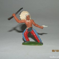 Figuras de Goma y PVC: ANTIGUO INDIO PIEL ROJA EN GOMA PINTADA DE SOTORRES. Lote 178624762