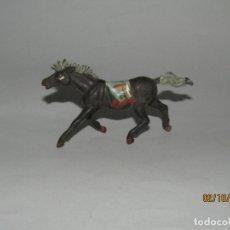 Figuras de Goma y PVC: ANTIGUO CABALLO DE INDIO PIEL ROJA EN GOMA PINTADA DE PECH HNOS.. Lote 178627418