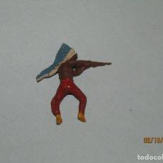 Figuras de Goma y PVC: ANTIGUO INDIO PIEL ROJA EN GOMA PINTADA DE PECH HNOS.. Lote 178658728