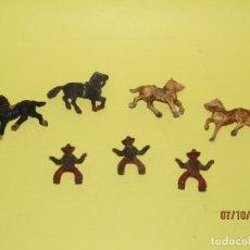 Figuras de Goma y PVC: ANTIGUOS VAQUEROS COW BOYS EN GOMA DE LAFREDO - REAMSA, PECH , JECSAN. Lote 178787826