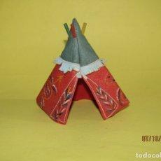 Figuras de Goma y PVC: ANTIGUA TIENDA INDIA TIPI EN DIVERSAS LONAS SÍMIL PIEL Y MADERA COLOREADA DE PECH HNOS.- AÑO 1950S.. Lote 178790211