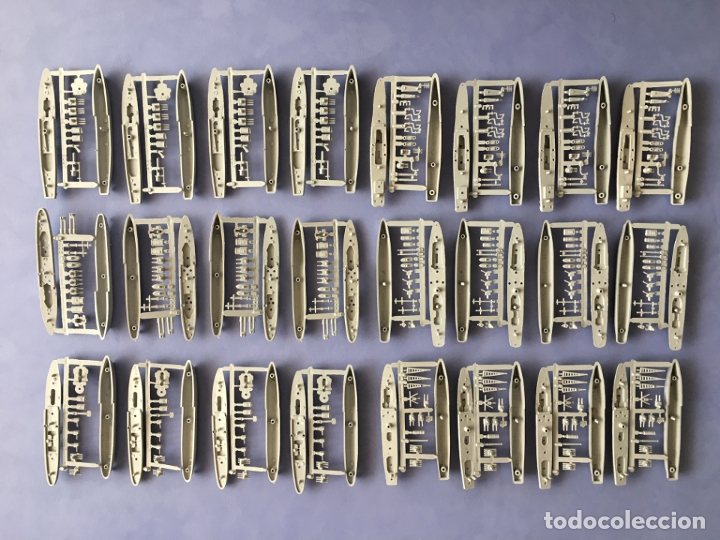 LOTE MONTAPLEX 24 COLADAS DE BARCOS (Juguetes - Figuras de Goma y Pvc - Montaplex)