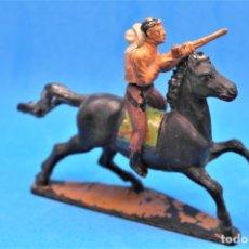 Figuras de Goma y PVC: ANTIGUAS FIGURAS DEL OESTE EN GOMA. COWBOY A CABALLO DE GAMA. AÑOS 50/60. Lote 178977653
