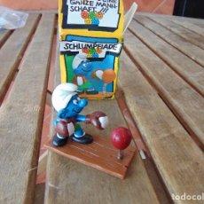 Figuras de Goma y PVC: MUÑECO FIGURA PITUFO DE SCHLEICH BOXEADOR EN SU CAJA ORIGINAL. Lote 179191462