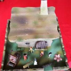 Figuras de Goma y PVC: CASA DE MADERA THE FLINTSTONES VILLA LOS PICAPIEDRA. INTERIORES + 5 FIGURAS JECSAN Y TRONCOMOVIL. Lote 179224955