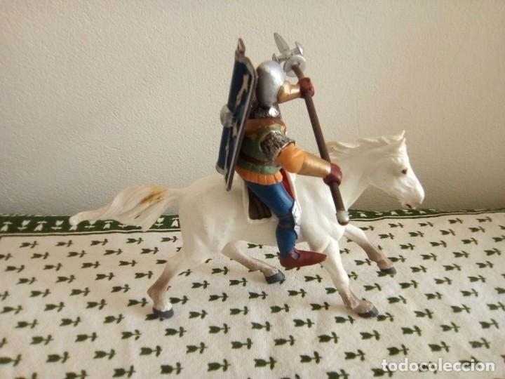 Figuras de Goma y PVC: SOLDADO ROMANO CON LANZA Y ESCUDO A CABALLO DE PAPO 1999 - Foto 3 - 179242492
