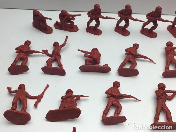 Figuras de Goma y PVC: 31 FIGURAS - SOLDADITOS | PECH, JECSAN, REAMSA, TEIXIDO, OLIVER, COMANSI - AÑOS 70 - Foto 2 - 179530895