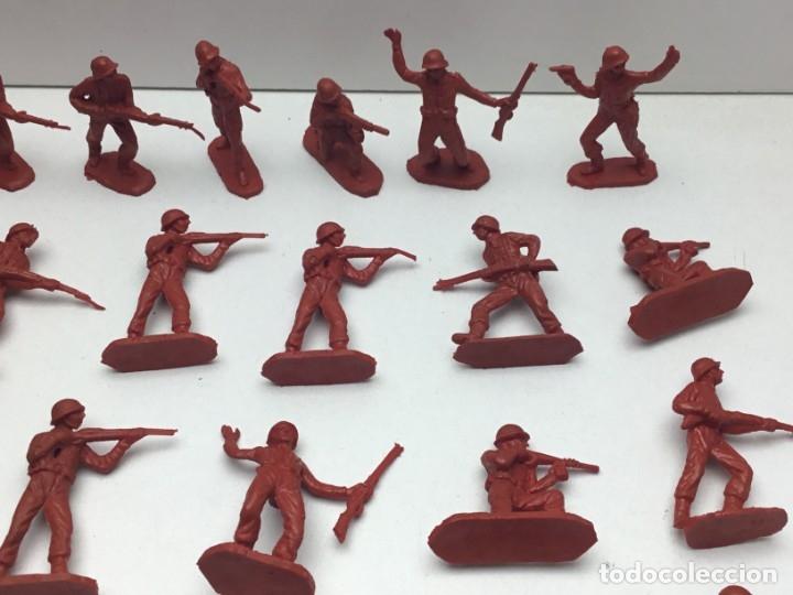 Figuras de Goma y PVC: 31 FIGURAS - SOLDADITOS | PECH, JECSAN, REAMSA, TEIXIDO, OLIVER, COMANSI - AÑOS 70 - Foto 3 - 179530895