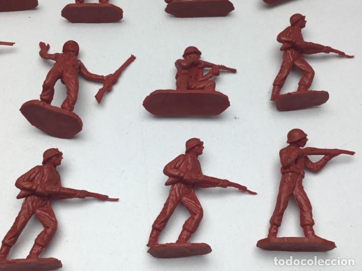 Figuras de Goma y PVC: 31 FIGURAS - SOLDADITOS | PECH, JECSAN, REAMSA, TEIXIDO, OLIVER, COMANSI - AÑOS 70 - Foto 4 - 179530895
