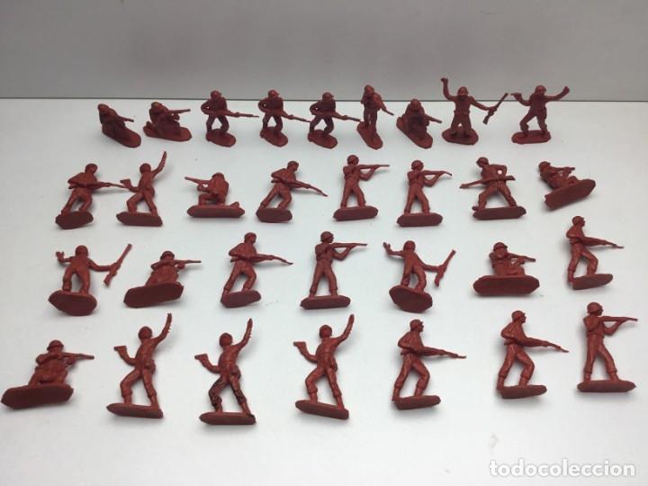 Figuras de Goma y PVC: 31 FIGURAS - SOLDADITOS | PECH, JECSAN, REAMSA, TEIXIDO, OLIVER, COMANSI - AÑOS 70 - Foto 8 - 179530895