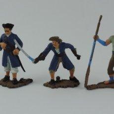 Figuras de Goma y PVC: 5 FIGURAS DE PIRATAS, REALIZADOS EN PLASTICO, PIRATA CON REMO, PISTOLA, ESPADA, BUEN ESTADO, MIDEN 7. Lote 179944545