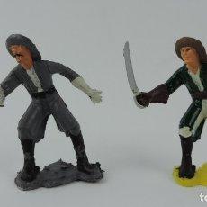 Figuras de Goma y PVC: 2 FIGURAS DE PIRATAS, REALIZADOS EN PLASTICO, PIRATA CON ESPADA PINTADA CON DISTINTOS COLORES, BUEN . Lote 179944783