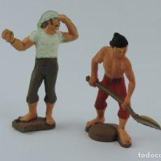 Figuras de Goma y PVC: 2 FIGURAS DE PIRATAS, PIRATA CON PALA, MIDEN 6,5 CMS.. Lote 179947227
