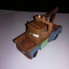 Figuras de Goma y PVC: WALT DISNEY FIGURA DE PVC BULLY CARS TOW MATE MATERS. Lote 180254470