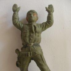 Figuras de Goma y PVC: VAQUERO EN GOMA ASALTO A LA DILIGENCIA AÑOS 50 - 60. Lote 180006102
