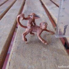 Figuras de Goma y PVC: FIGURA DE FIERA ANIMAL PECH JECSAN LAFREDO COMANSI TEIXIDO MONO CON SU CRIA . Lote 180470720