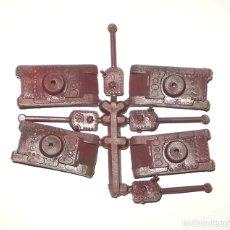 Figuras de Goma y PVC: MONTAPLEX -COLADA DE 4 MINI-TANQUES. Lote 180849218