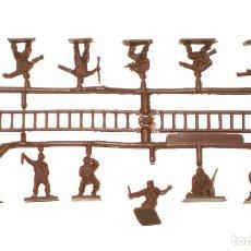 Figuras de Goma y PVC: MONTAPLEX 1 COLADA DE SOLDADOS YUGOSLAVOS DEL SOBRE Nº 144 - COLOR MARRÓN. Lote 180849748