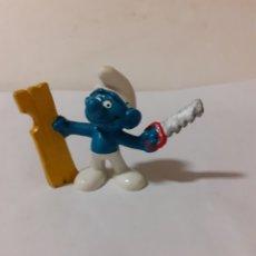 Figuras de Goma y PVC: PITUFO PEYO CARPINTERO. Lote 180887678