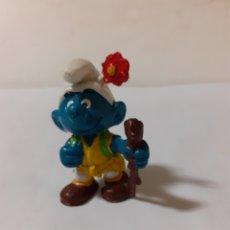 Figuras de Goma y PVC: PITUFO MONTAÑERO EXCURSIONISTA. Lote 180888611