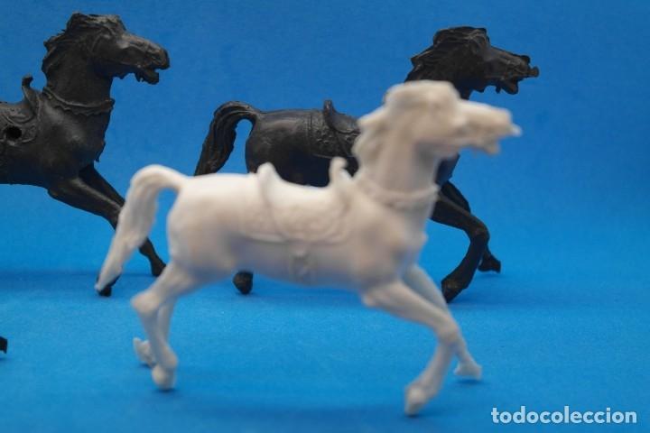 Figuras de Goma y PVC: Antiguas Figuras en Plástico. Lote de Caballos Reigon. HEROES DEL OESTE - AÑOS 70 - Foto 6 - 228506520