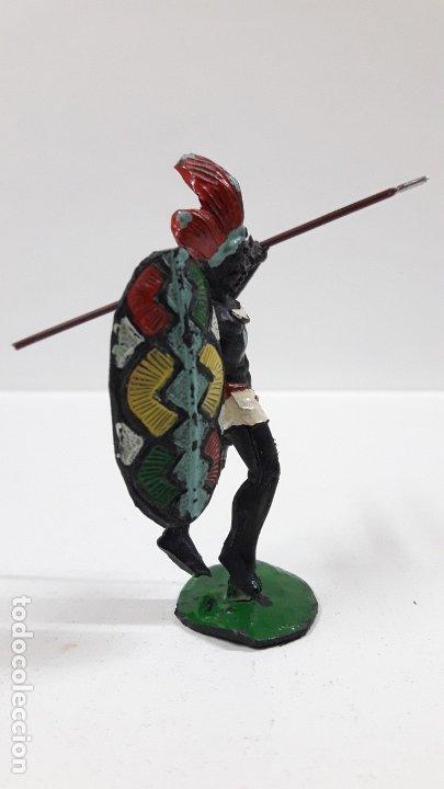 Figuras de Goma y PVC: GUERRERO AFRICANO NEGRO . REALIZADO POR ARCLA . AÑOS 50 EN GOMA . LANZA DESMONTABLE - Foto 5 - 181852535