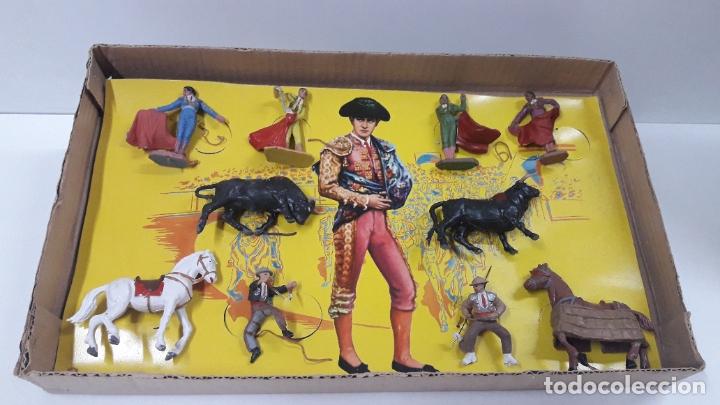 Figuras de Goma y PVC: CAJA ORIGINAL DE LA CORRIDA DE TOROS . REALIZADA POR PECH . AÑOS 60 - Foto 3 - 181887223