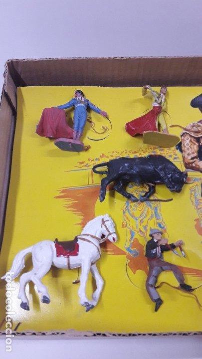Figuras de Goma y PVC: CAJA ORIGINAL DE LA CORRIDA DE TOROS . REALIZADA POR PECH . AÑOS 60 - Foto 4 - 181887223