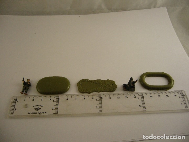 Figuras de Goma y PVC: Lote de soldados Airfix Soldados alemanes pintados y complementos - Foto 4 - 110983675