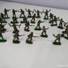Figuras de Goma y PVC: LOTE DE FIGURAS SOLDADOS DE SOTORRES DE LA EPOCA. Lote 182257400