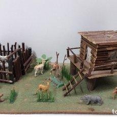 Figuras de Goma y PVC: DIORAMA DE TARZAN . CASA Y CERCADO CON ANIMALES - REF 177 . REALIZADO POR COMANSI . ORIGINAL AÑOS 60. Lote 182288952