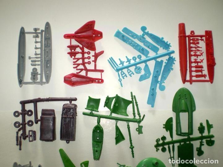 Figuras de Goma y PVC: LOTE MONTAPLEX DE COLADAS DIVERSAS - Foto 3 - 182676513