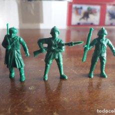 Figuras de Goma y PVC: LOTE 3 SOLDADOS RUSOS VERDES. DUNKIN. NUEVOS.. Lote 182717872