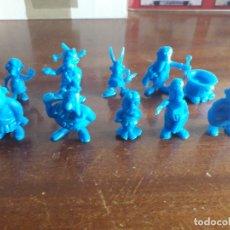 Figuras de Goma y PVC: LOTE 10 FIGURAS AZULES.. ASTERIX. UDERZO. AÑOS 80 NUEVAS. Lote 182824871