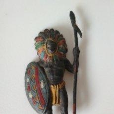 Figuras de Goma y PVC: FIGURA GUERRERO AFRICANO PECH. Lote 182912057