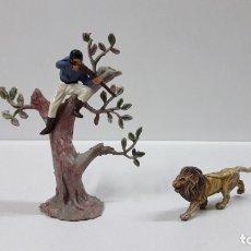 Figuras de Goma y PVC: ARBOL . REALIZADO POR PECH . AÑOS 60 . CAZADOR Y LEON NO INCLUIDOS. Lote 182923646