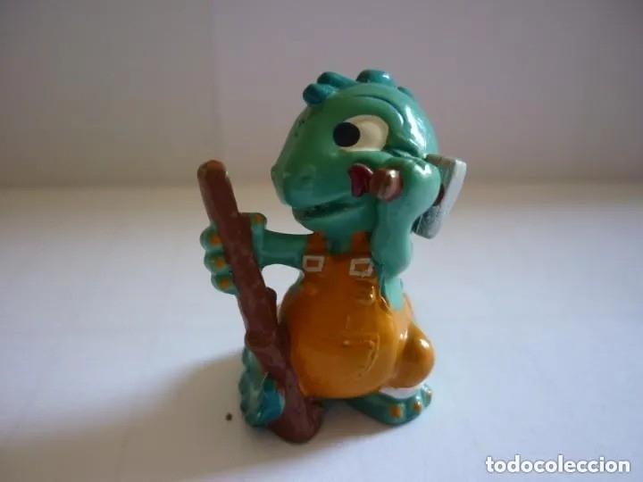FIGURA KINDER - DINOSAURIO (Juguetes - Figuras de Gomas y Pvc - Kinder)