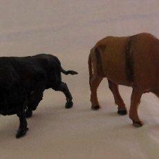 Figuras de Goma y PVC: TOROS DE PLASTICO PECH - TAUROMAQUIA. Lote 182992217