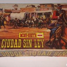 Figuras de Goma y PVC: MINI OESTE COMANSI DODGE CIUDAD SIN LEY. Lote 183211747