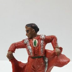 Figuras de Goma y PVC: TORERO DANDO UN PASE . REALIZADO POR PECH . AÑOS 60. Lote 183373862