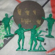 Figuras de Goma y PVC: LOTE 4 FIGURAS BEATLES BEATLEMANIA DE PLASTICO DURO + POSAVASOS. Lote 183532370